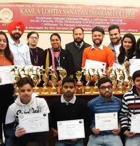 Kamla Lohtia S. D. College Students win 1st  Runners Up Trophy and several prizes in Inter College event 'Xpressions-2019' at GNIMT