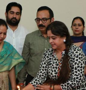"A ""Two Days Entrepreneurship Awareness Programme"" is being organised at Kamla Lohtia S.D. College, Ludhiana"