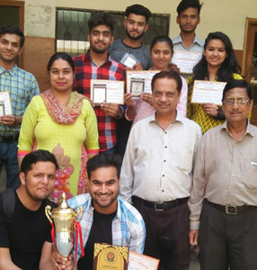 Kamla Lohtia S. D. College Students won 'Overall Trophy' at GOONJ 2018