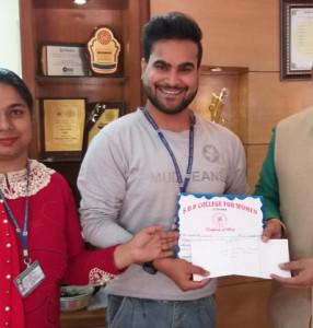 Kamla Lohtia S. D. College student excels in Inter College Declamation Contest